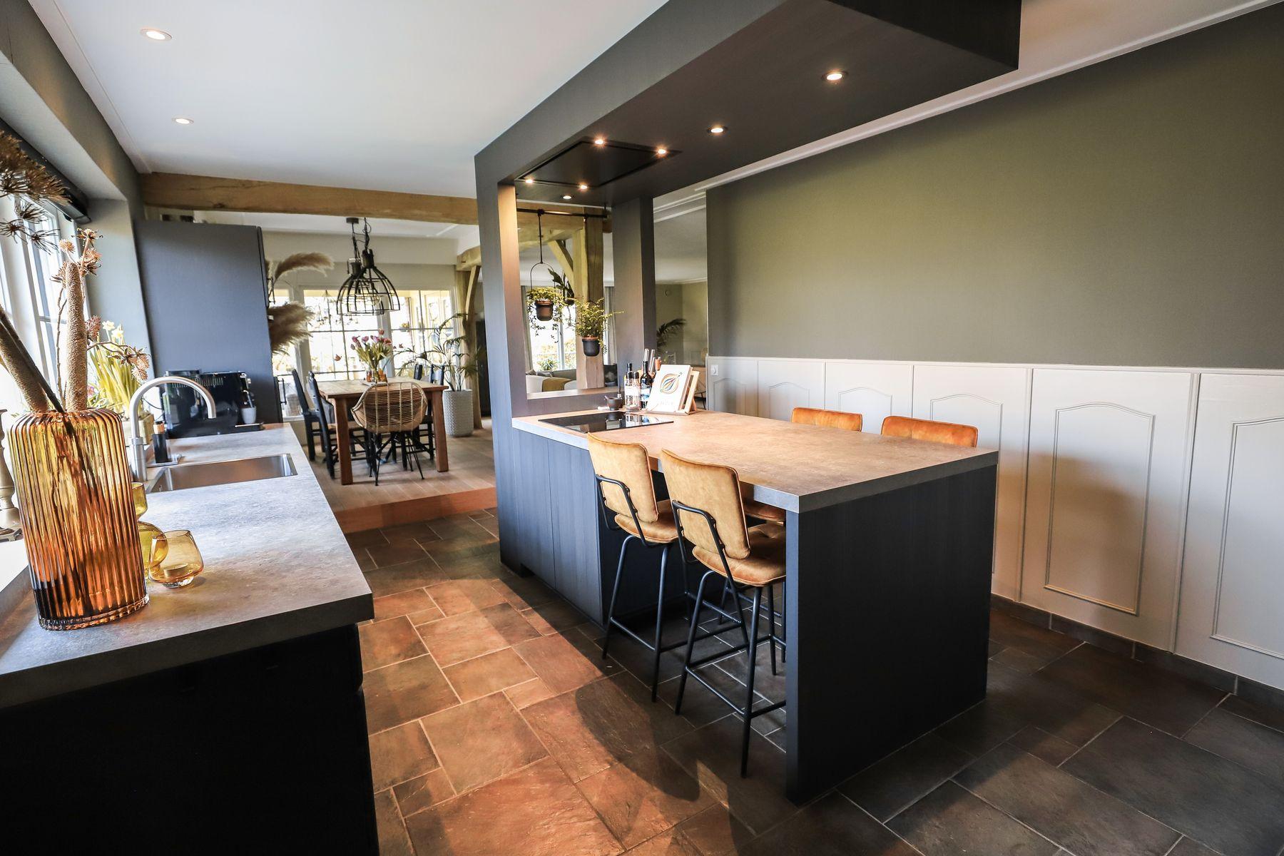Keuken met kookeiland Albergen